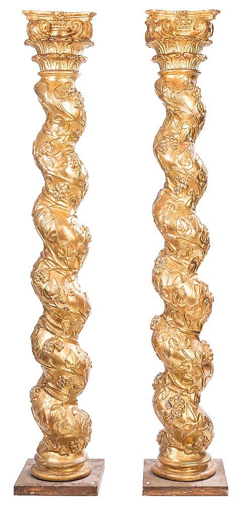 A PAIR OF CARVED GILT WOOD COLUMNS, 17TH CENTURY