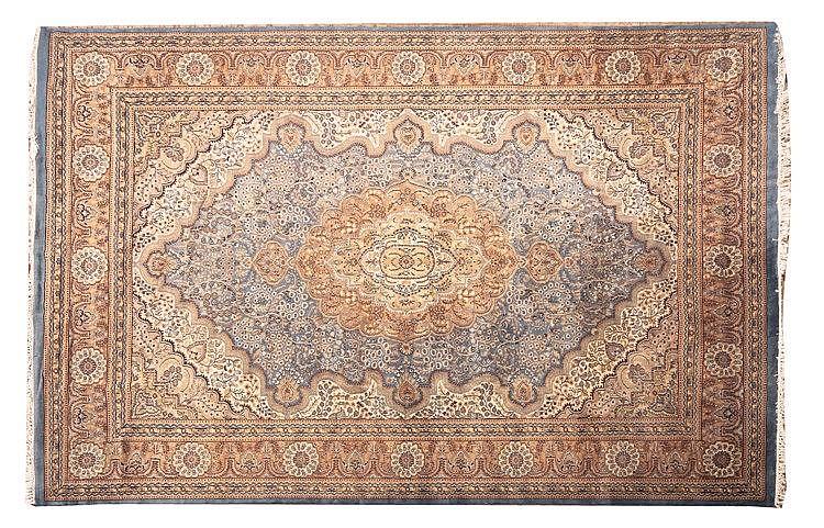 AN IRANIAN WOOL CARPET, 20TH CENTURY