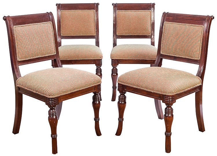 A SET OF FOUR CHAIRS, 20TH CENTURY