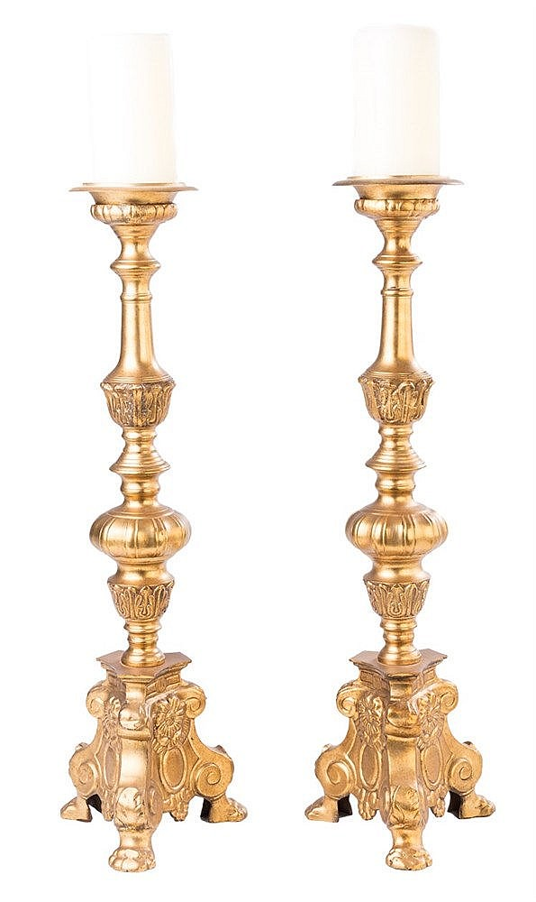 A PAIR OF BAROQUE STYLE GILT METAL CANDLESTICKS, 20TH CENTURY