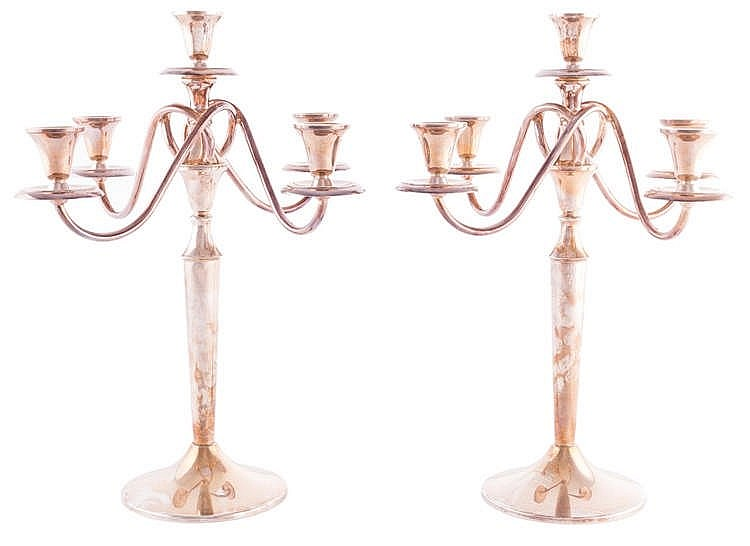 A PAIR OF STERLING SILVER CANDELABRA, 20TH CENTURY