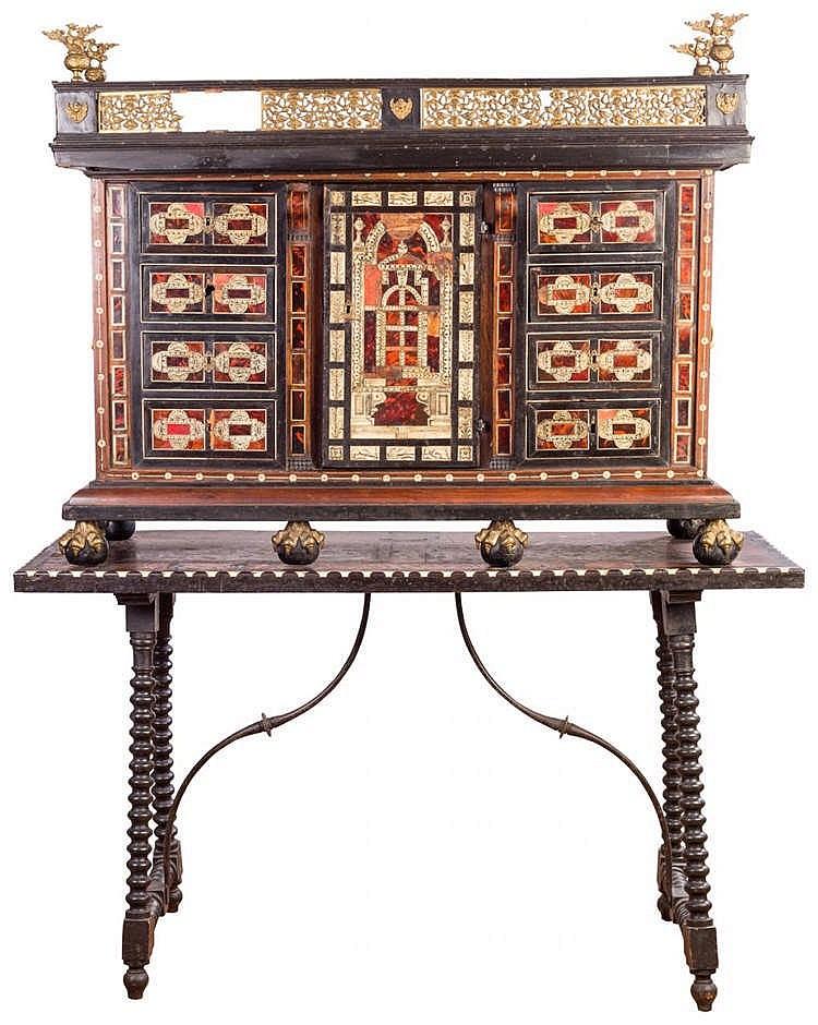 AN ITALIAN CABINET, 18TH CENTURY