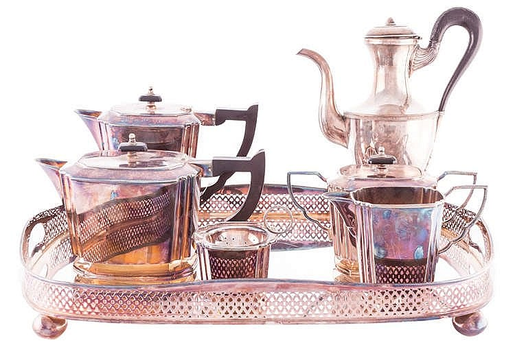 A SILVER COFFEE SET, SECOND HALF 20TH CENTURY