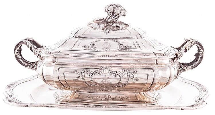 A SILVER TUREEN, CIRCA 1759