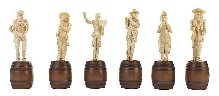 A SET OF SIX IVORY FIGURES