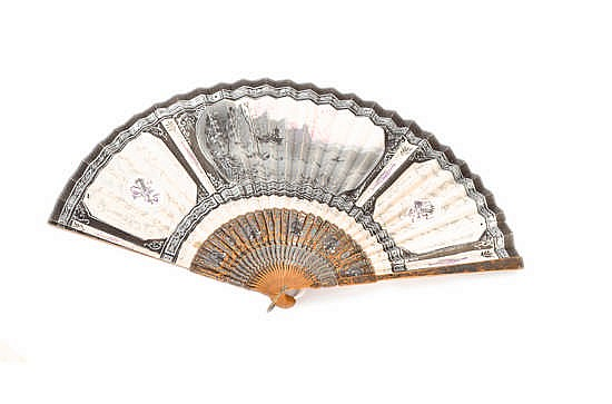 A HAND FAN, FIRST HALF 20TH CENTURY