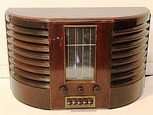 Wood and Bakelite radio by G.E.C