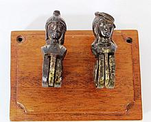 Pair of iron Mentschalachs