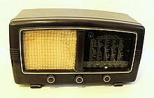 1950s Bakelite radio by Point Bleu