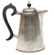 Silver teapot with coat of arms of Benkendorfu family