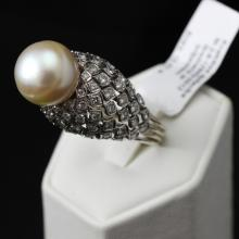 375 proof Gold ring with 1.76 ct diamonds