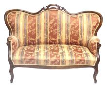 Beginning of 20th century Rococo-style Walnut sofa