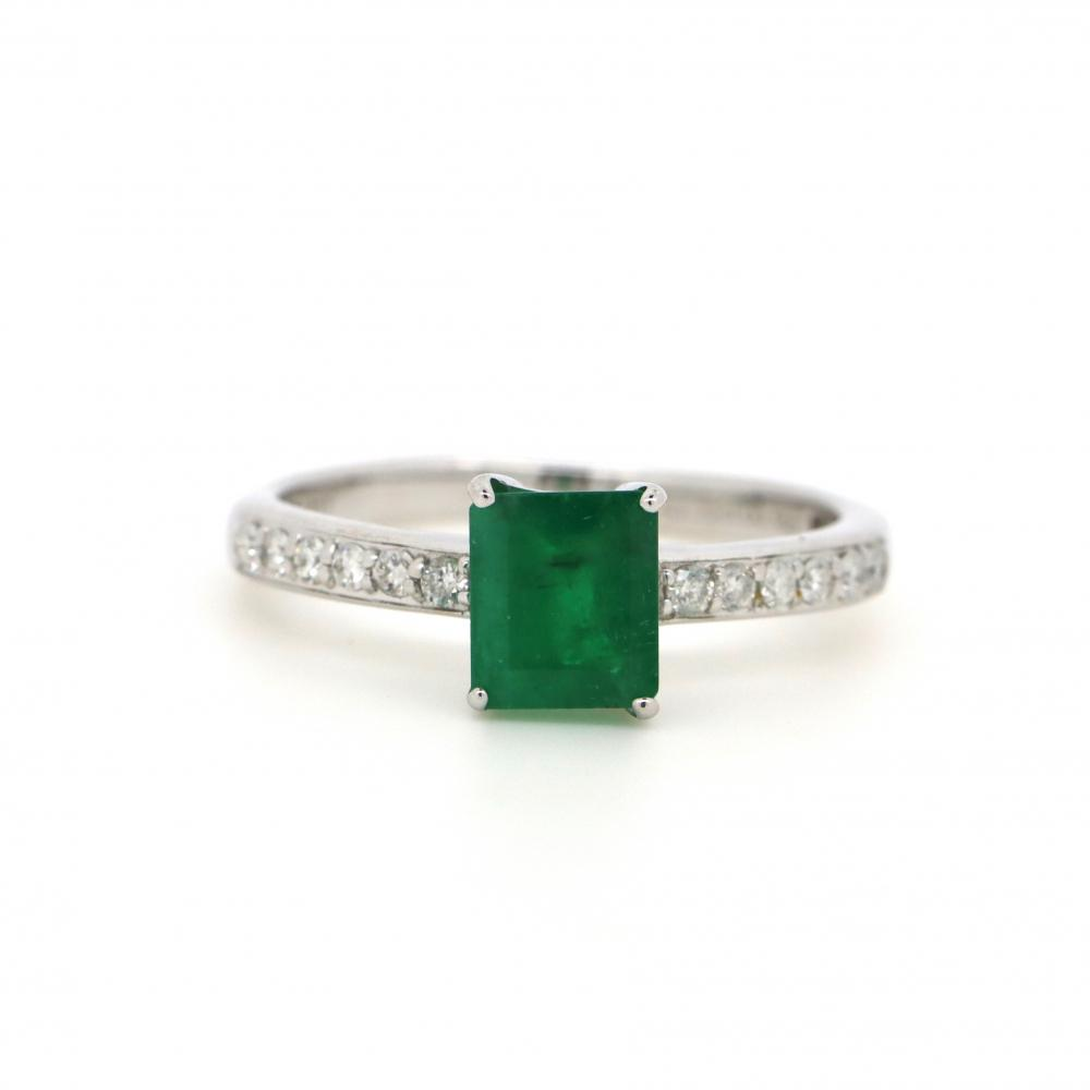 10K White Gold, Emerald and Diamond, Classic Ring