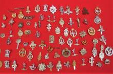 Large mixed lot of British regimental cap badges approx. 80