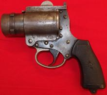 A Second World War No.4 Mk.1 Flare Pistol