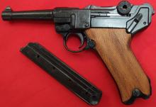 Replica German First/Second World War Luger Pistol