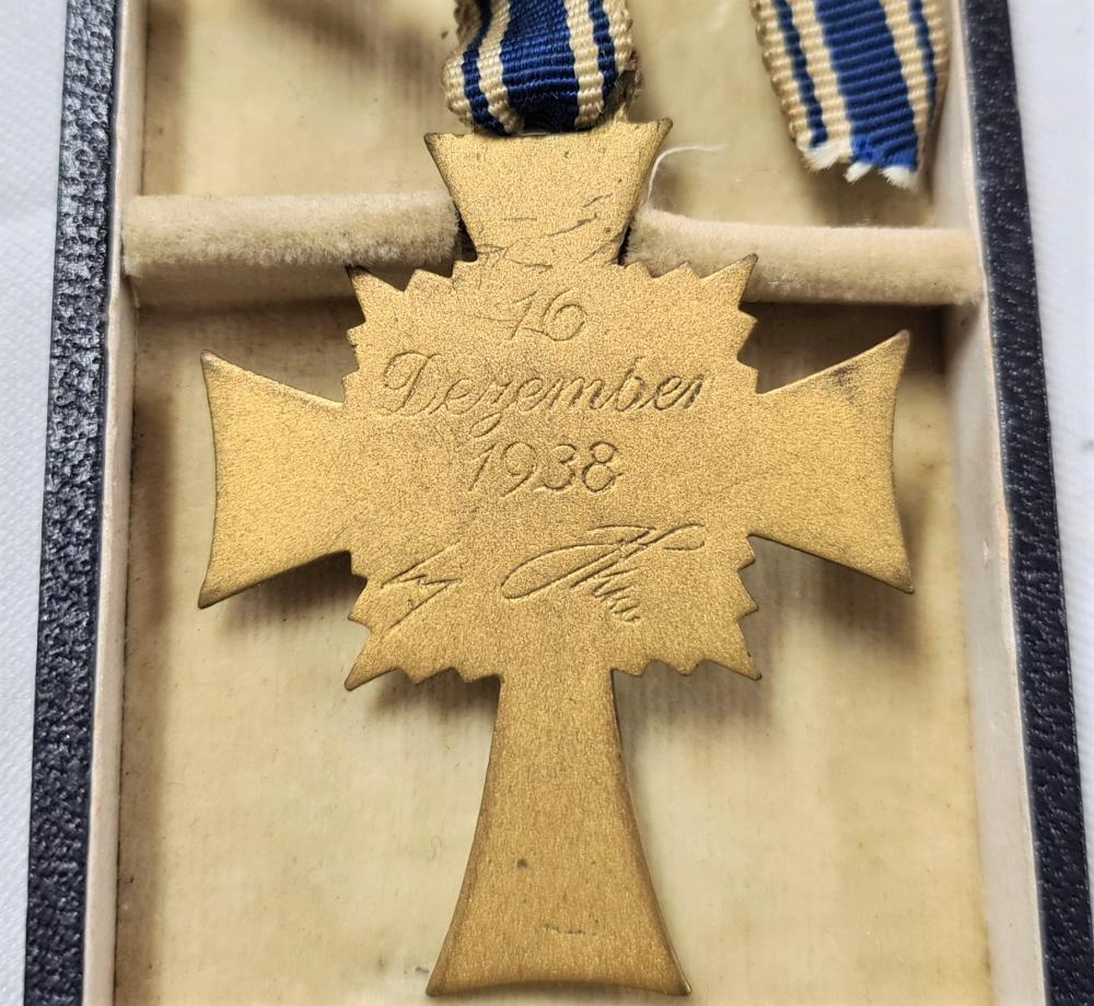 Nazi Germany Mother's Cross, gold medal, in case of issue by Wilhelm Deumer of Ludenscheid