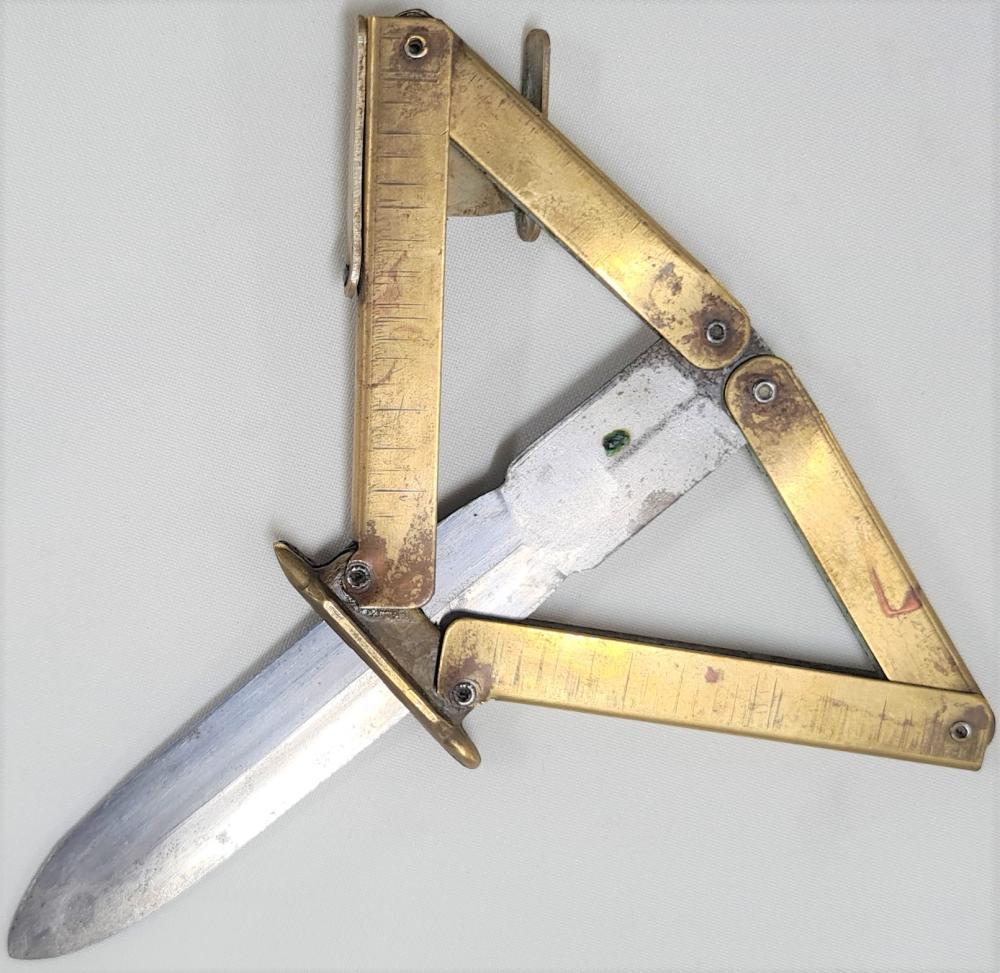 1980s era WW2 German paratrooper folding dagger fantasy Eickhorn knife