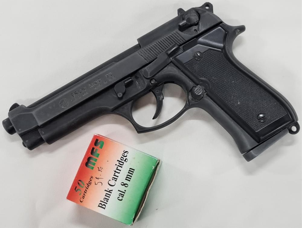 2000's blank firing beretta pistol Model 92 in 8mm by Bruni with box of 41 blank rounds