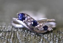 Sapphire / simulated diamond twist band. Sterling