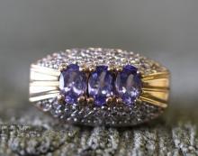 14k / tanzanite ring