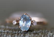 14k / blue topaz ring