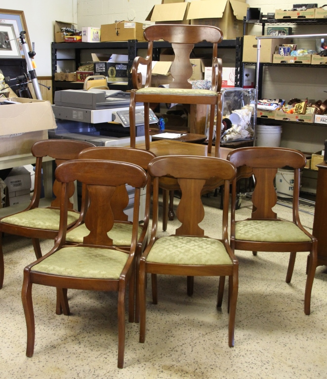 Vintage dining table w cherry chairs