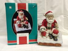 Limited Edition 1992 Melody in Motion Santa Claus