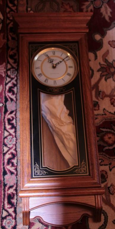 Wall Clock W Pendelum