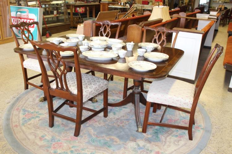 Vintage Duncan Phyfe Style Dining Table Chairs