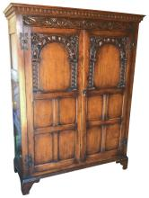Nice Quality English Oak Gents Robe, In The