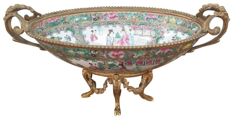 19th Chinese Rose Medallion Bowl,