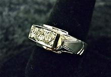 Gentlemen's 18k White Gold and Diamond Ring