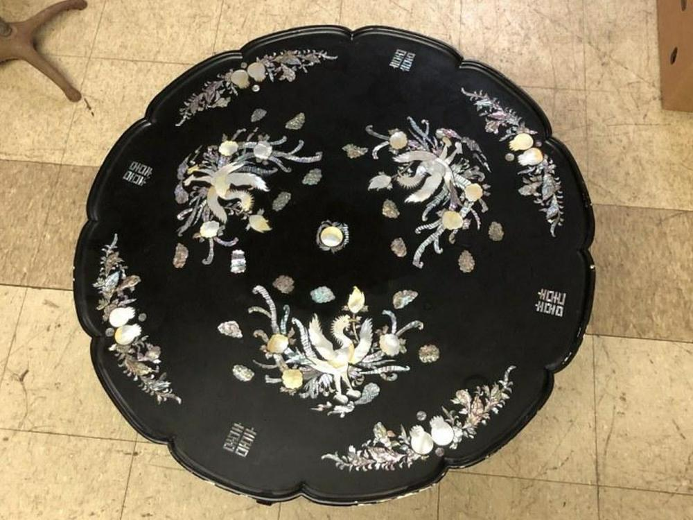 ASIAN MOTHER OF PEARL DECORATED COFFEE TABLE WITH LEGS