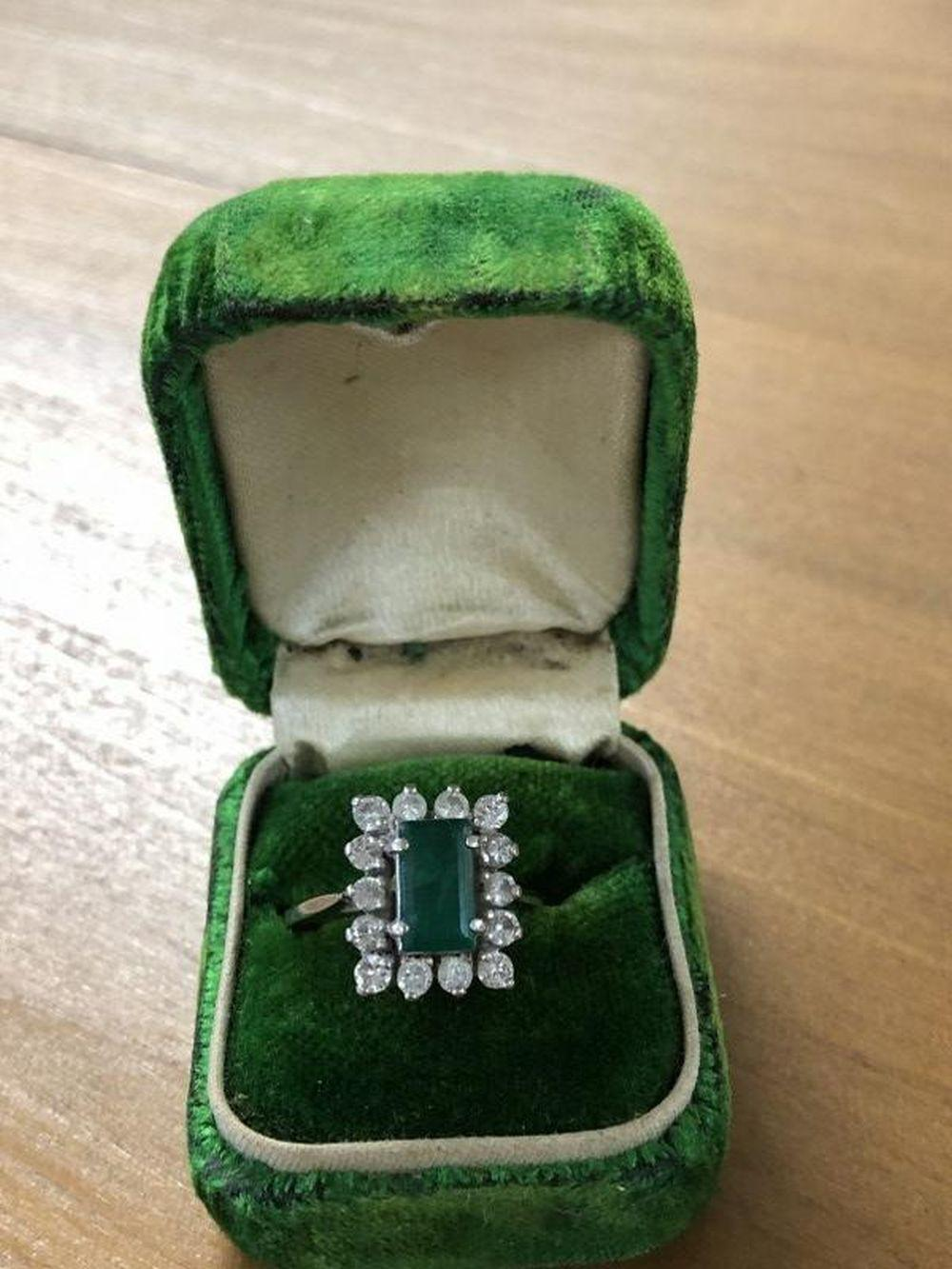 14K WHITE GOLD EMERALD & DIAMONDS LADIES ESTATE RING