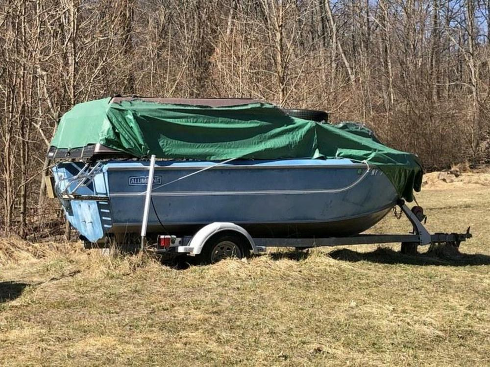 ALUMILINE 18' BOAT & TRAILER ESTATE FIND AS/IS CONDITIO