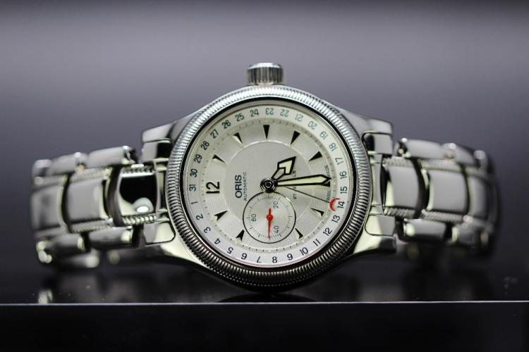 A gent`s Oris Pointer 7482c reference model, Ex display example/mint condition