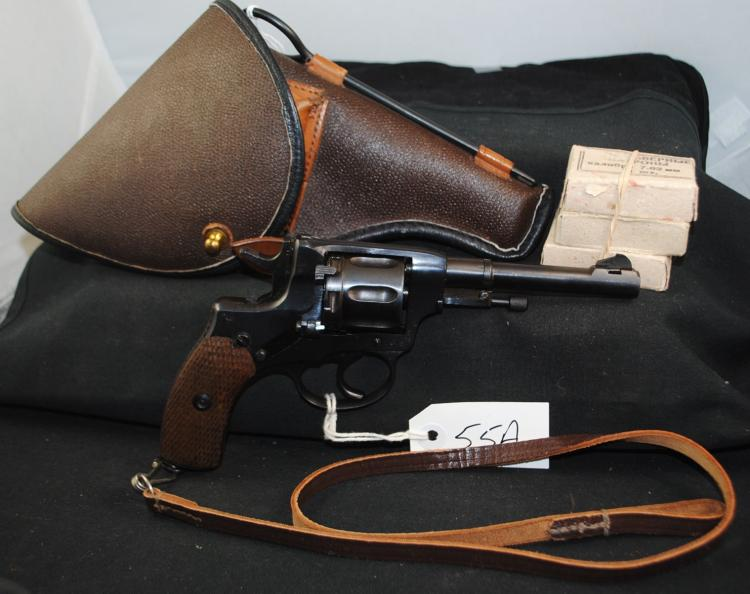 1895 NAGANT RUSSIAN 7.62MM REVOLVER  WITH  HOLSTER - 42 ROUNDS OF AMMUNITION - GAS SEAL  REVOLVER - WOOD GRIP - VERY GOOD FUNCTION -  MILITARY PROOFS - AMMUNITION IS STILL  AVAILABLE - CLASSIC PIECE OF HISTORY