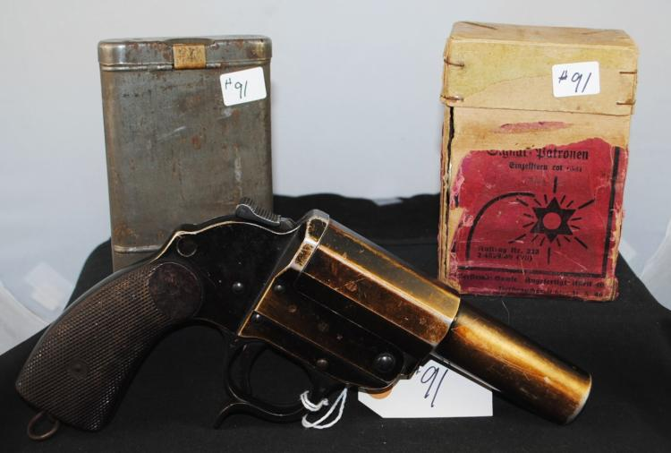 GERMAN ERMA-ERFURT FLARE GUN DATED 1938 WITH  ORIGINAL BOX WITH 8 FLARES AND TIN FOR  CLEANING