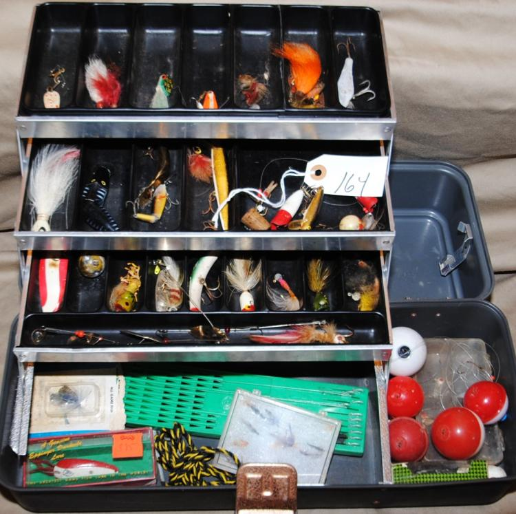 UMCO TACKLE BOX WITH FISHING TACKLE