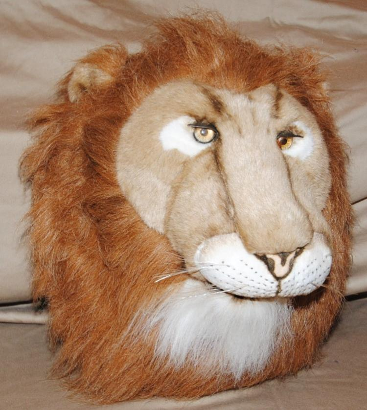LIONS HEAD - CLOTH/STUFFED