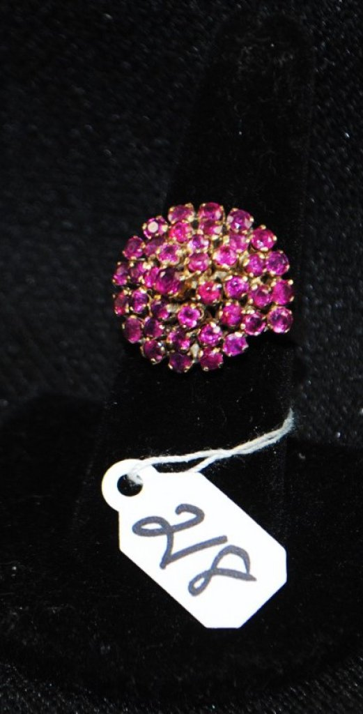 LADIES 14K YELLOW GOLD VINTAGE RUBY RING