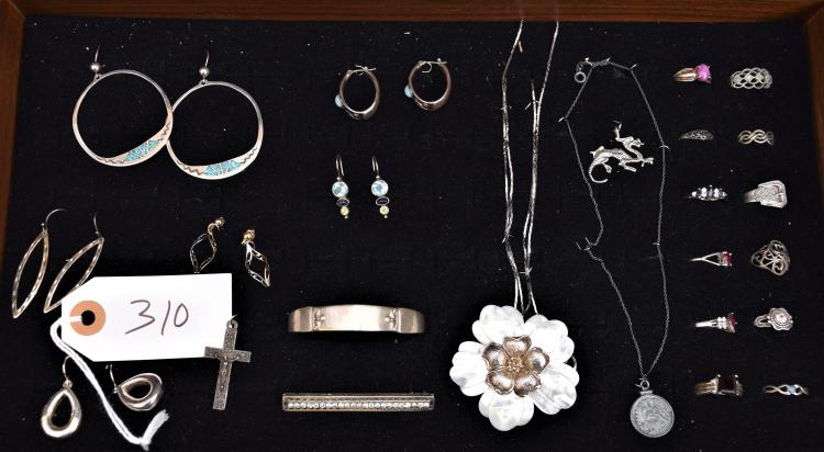 24 PIECES OF VINTAGE STERLING SILVER JEWELRY - EARRINGS, NECKLACES, BROOCHES, PINS, RINGS ETC