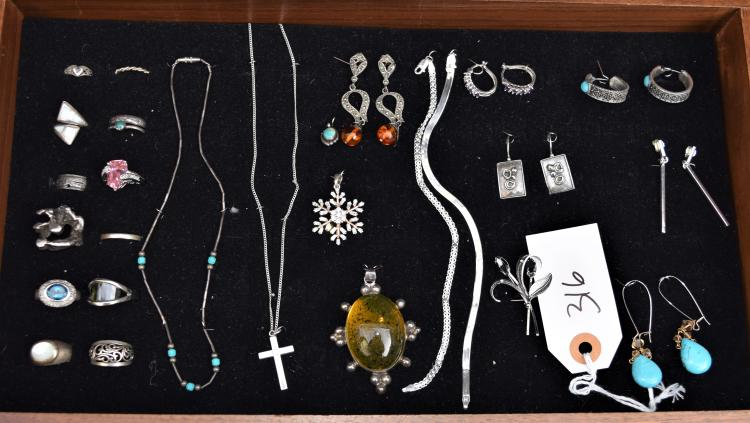 26 PIECES OF VINTAGE STERLING SILVER JEWELRY - NECKLACES, EARRINGS, PINS, BROOCHES, RINGS ETC