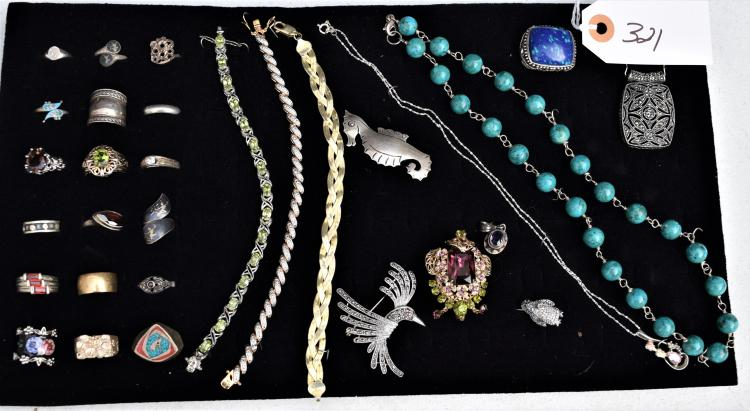 30 PIECES OF VINTAGE STERLING SILVER JEWELRY - NECKLACES, BRACELETS, PENDANTS, BROOCHES, PINS, RINGS ETC