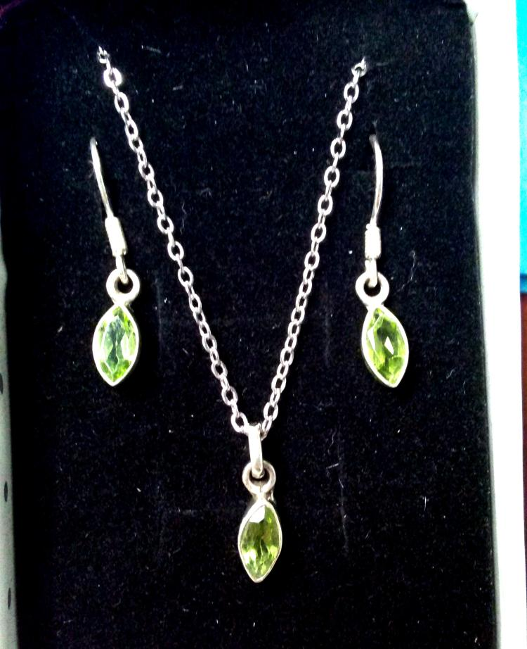 NATURAL PERIDOT .925 SOLID GENUINE STERLING SILVER EARRINGS PENDANT SET