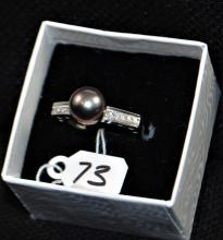 LADIES 18K WHITE GOLD PEARL & DIAMOND ACCENT RING