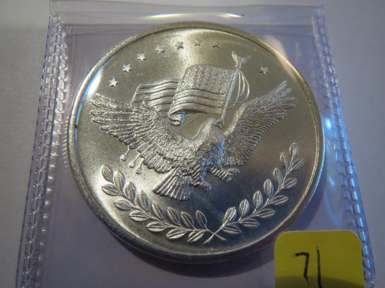 Eagle holding US Flag 1 oz .999 Silver Round