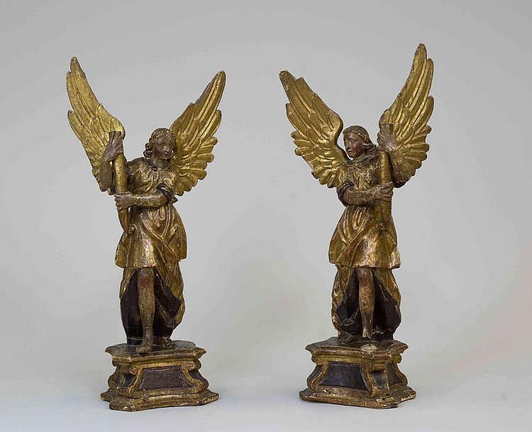 paire d 39 anges ceroferaires formant torch res en bois sculpt. Black Bedroom Furniture Sets. Home Design Ideas