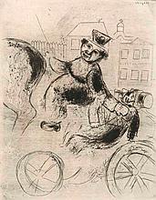 Chagall, Marc Pavel Ivanovitch est ramené á l'auberge. (Aus den Illustrationen zu Nikolai Gogol, Die toten Seelen). Radierung. 27,5 x 21,6 cm (37,4 x 27,5 cm). In der Platte signiert. Hinter Passepartout montiert.